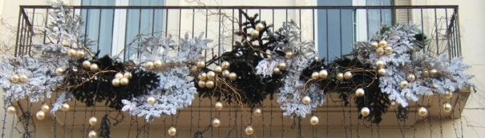 Addobbi Natalizi Balconi.Cesa Concorso Balconi Di Natale Buoni Spesa In Palio Atella News Tutte Le Notizie Dell Agro Atellano